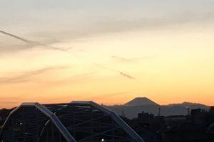 夕暮れと富士山