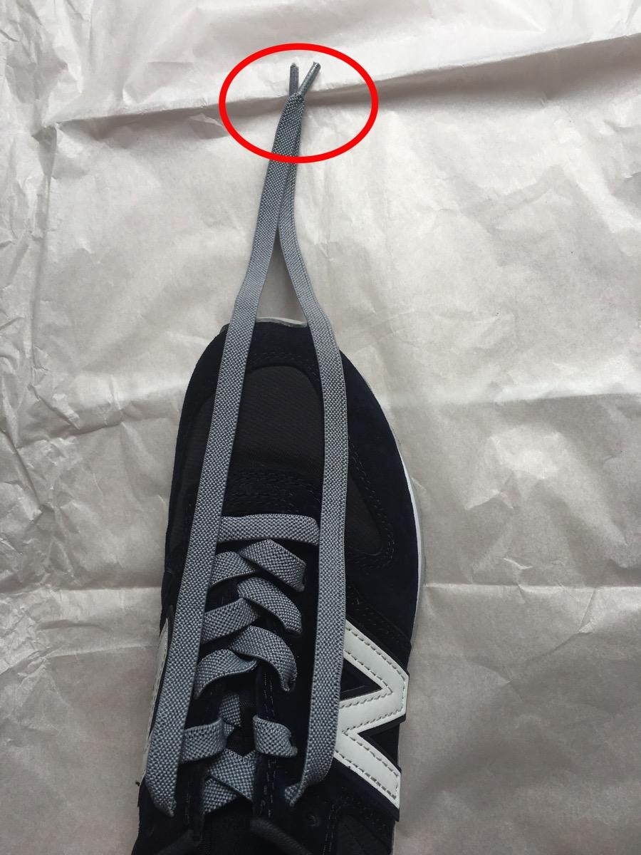 靴紐の左右の長さがほぼ揃った状態