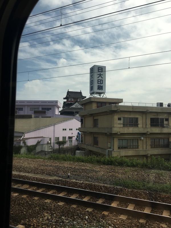 東海道本線の車窓から