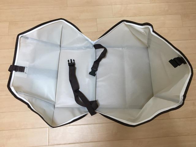 キューブ型羽毛布団圧縮袋の中の様子