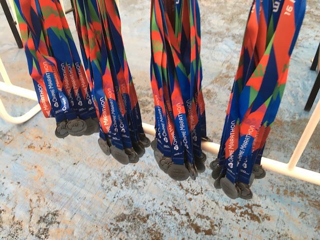 青梅マラソンの完走メダル配布前のもの
