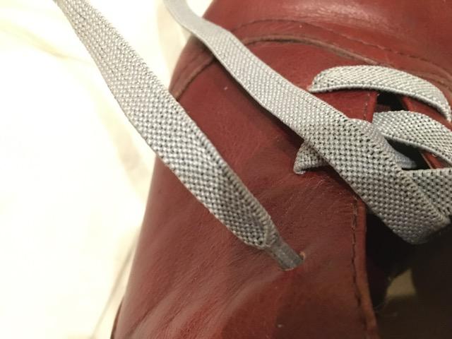 キャンドゥの伸びる靴紐とブーツの穴