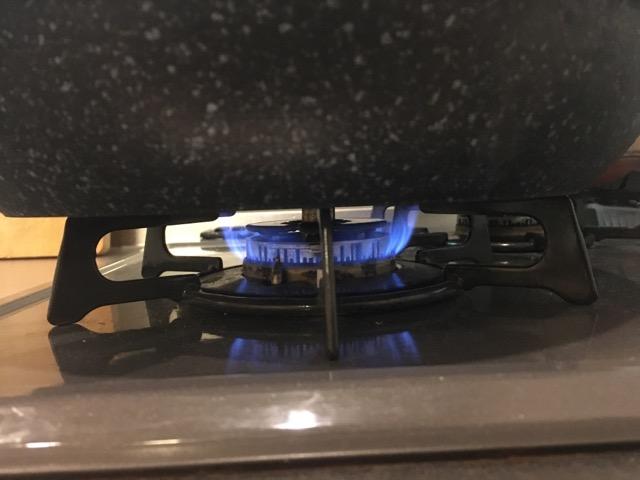 味の素餃子を焼く時の火加減中火