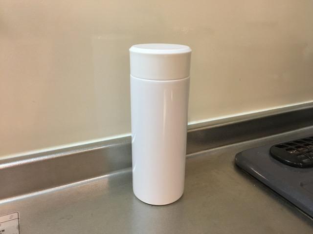 ステンレスボトル水筒300ミリリットル
