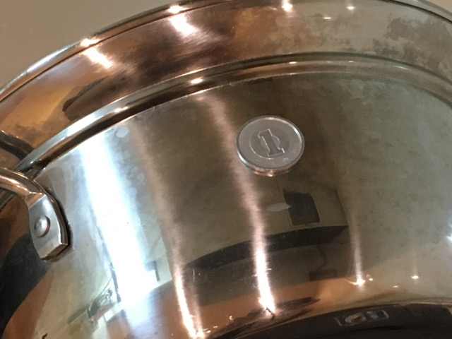 ステンレス鍋と一円玉